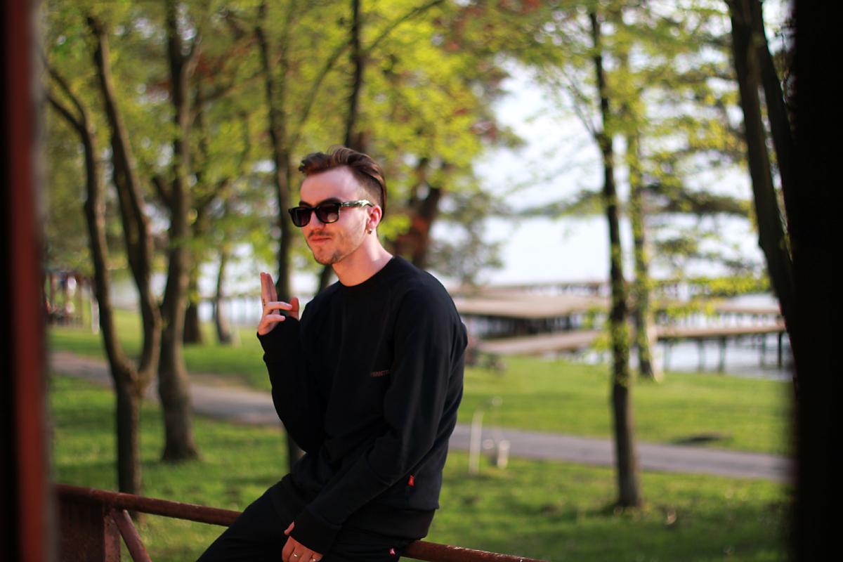 MANTRA EveryDay Sweater - BLACK