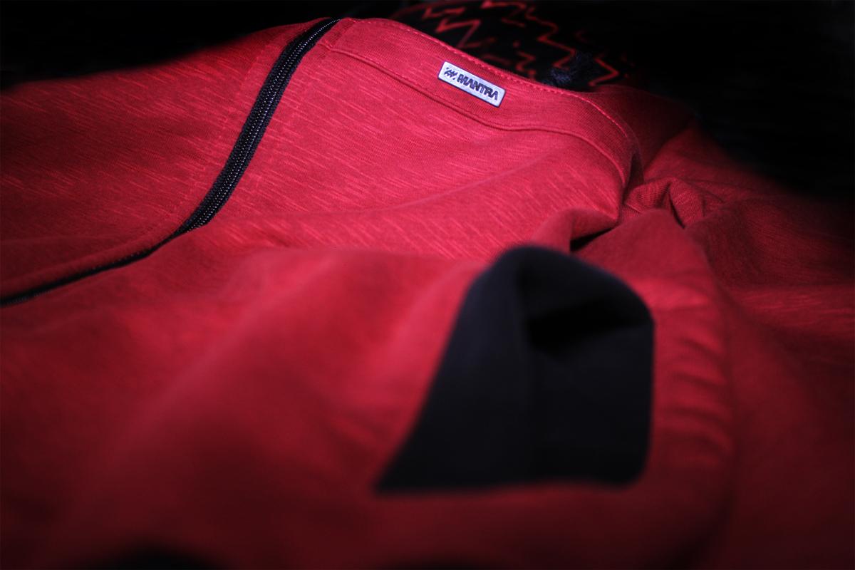 MANTRA LTD.015 Hoodie pocket